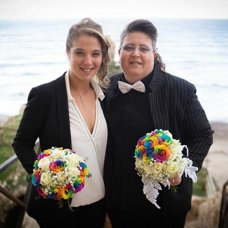 Frasi Matrimonio Tra Donne.Francesca Greco E Giada Di Gaudio Oggi Spose Vi Dichiaro