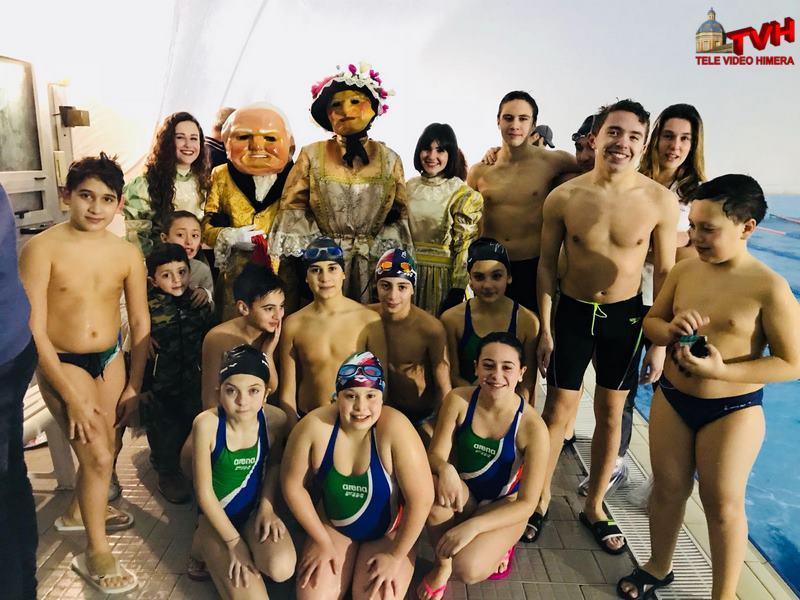 Carnevale termitano 2018 i nanni in visita alla piscina - Piscina termini imerese ...