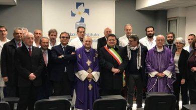Photo of Cefalù, Ospedale Giglio: Mons. Manzella benedice ed inaugura la nuova sala conferenze