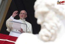 """Photo of Papa all'Angelus: """"Guardate dentro la Croce, il Crocifisso non è un accessorio di abbigliamento"""""""