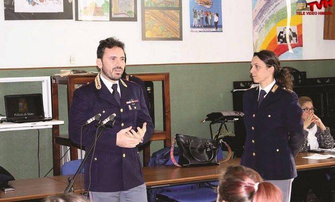 Photo of Palermo: Gli studenti a lezione con i poliziotti