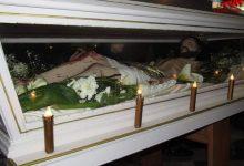 """Photo of Cerda: Tradizionale """"Rincuontru"""" del Cristo Morto con l'Addolorata"""