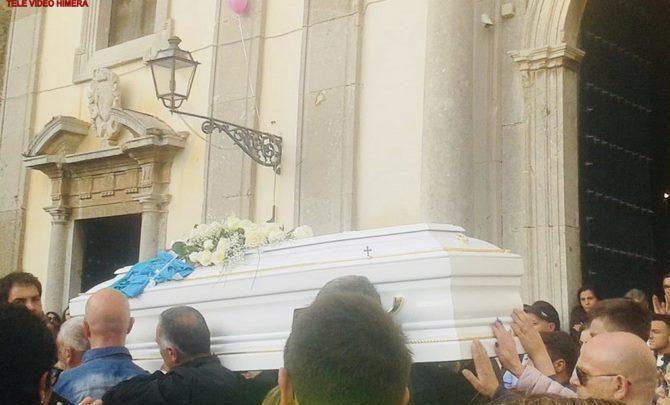 Photo of Caccamo piange il suo angelo. Oggi pomeriggio l'ultimo saluto