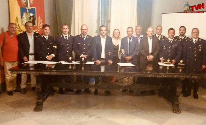 Photo of Encomi ad undici poliziotti del Commissariato di Termini Imerese