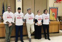 """Photo of Termini Imerese Consiglio Comunale: La minoranza sfoggia magliette """"Selfie"""""""