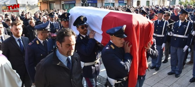 Photo of Messina: L'ultimo saluto al Poliziotto Angelo Spadaro, travolto da un Tir sulla A18