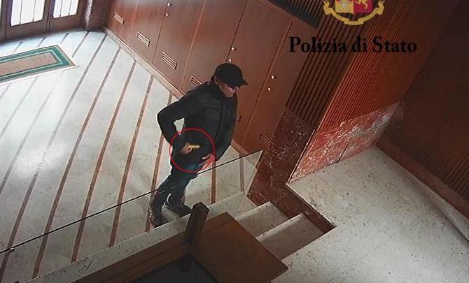 Photo of Palermo: Identificato e arrestato rapinatore seriale