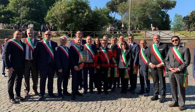 Photo of Festa della Repubblica: Ai Fori Imperiali una delegazione dei Sindaci della Sicilia