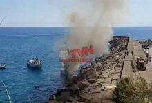 Photo of Cefalù: A fuoco un'imbarcazione della Capitaneria di Porto