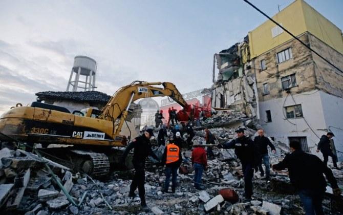 Photo of La terra trema in Albania: 15 morti e 600 feriti. Si scava tra le macerie