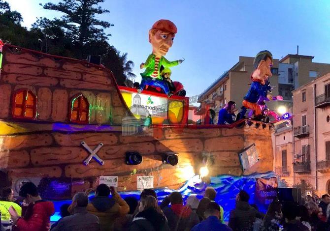 Photo of Carnevale Termitano 2020: Martedì Grasso, Sfilate e Tistamentu Du Nannu – 🎥 VIDEO