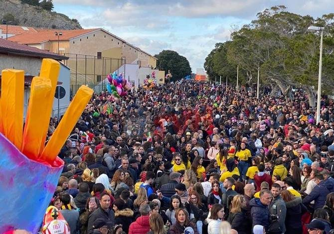 Photo of Carnevale Termitano 2020: Tanti i visitatori per la sfilata di Domenica a Termini Bassa