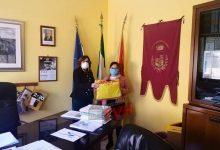 Photo of Campofelice di Roccella: Comunità Cinese regala 500 mascherine al Comune