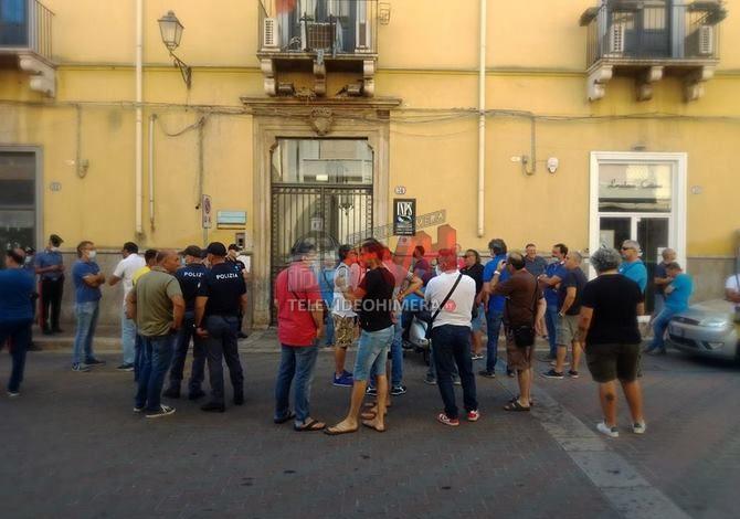 Photo of Termini Imerese: La protesta e il silenzio colpevole della politica