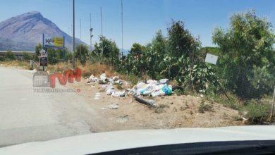 Photo of Buonfornello: Spazzatura abbandonata a ridosso dal mare