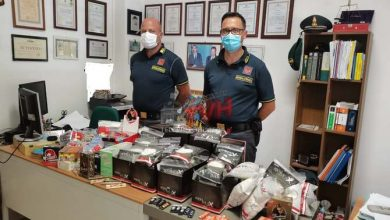 Photo of Carini: Sequestrati oltre 100.000 articoli per fumatori in vendita senza autorizzazione